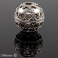 Bali charm i sterling silver