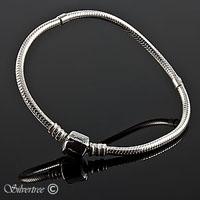 Silverarmband med runt lås