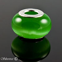 Glas charm grönt katt öga