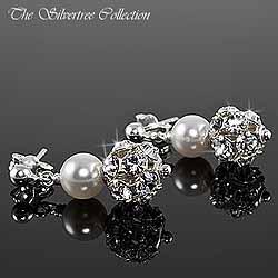 Örhängen med pärlor och glittrande kristaller