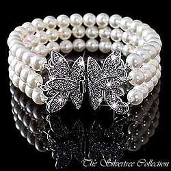 Armband med vackert fjärils lås